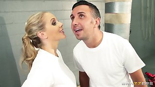 Cum unaffected by face ending after fucking in be passed on locker room with Julia Ann