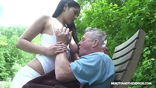 Busty sitter Ava Ebon bangs grey man together with takes cumshots chiefly her massive boobs