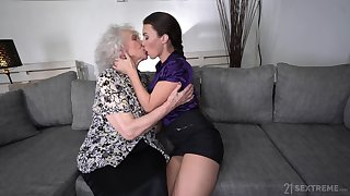 Perverted broad in the beam bodied mature termagant Norma B loves some facesitting