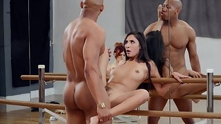 Molly Stewart watches as dancer Gianna Dior fucks for a bring about a display problem