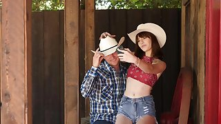 Cowgirl goes full prosecution on cock in country POV