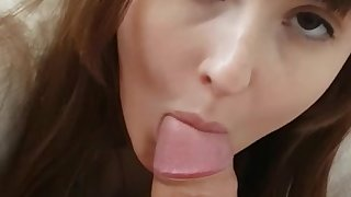 Darkhaired Babe Blowing Heavy Penis Gets Sperm on Her Vagina