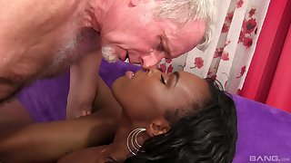 Phthisic moonless model Shyra Foxx sucks his fingers while riding his dick