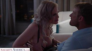 Russian bombshell Casca Akashova gives a boobjob before crazy pussy pounding