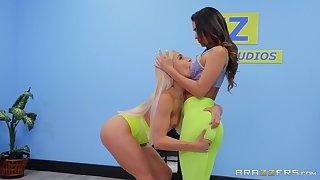 Insane oral sex between lesbian babes in precious XXX scenes