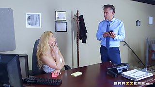 Secretary goes nimble mode in gloryhole porn comport oneself in the lead office