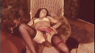 Lesbo Twat Surfers - Retro Porn Video