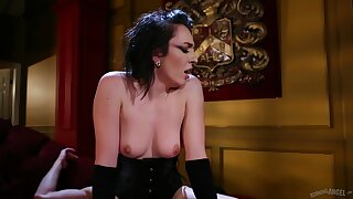 Hardcore fucking not susceptible the floor nearby provocative Vada in corset
