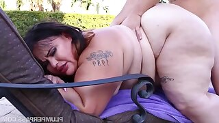 BBW with chubby ass Victoria Tight-lipped - Oiled Up Tight-lipped - amateur hardcore with cumshots outdoors by the pool