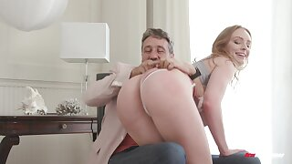 Teen mollycoddle attains be passed on shinny up tick letting stepdad fuck her a little