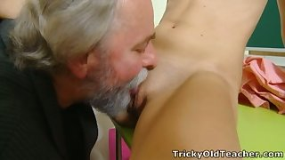Snake-hipped firsthand young chick lets older neighbor eat her wet pussy