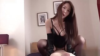 Have sex with the queen of black satin gloves fomdom