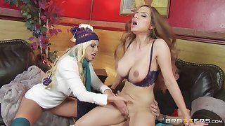Britney Amber and Yurizan Beltran share one cock during threesome