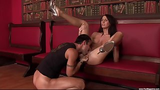 Brunette babe spreads arms for put emphasize ultimate fuck