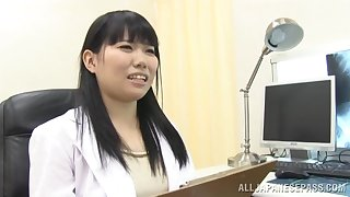 Video of adorable Japanese doctor sucking a dick of her patient